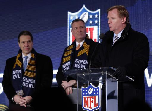 NFL Commissioner Roger Goodell wearing custom super bowl scarves